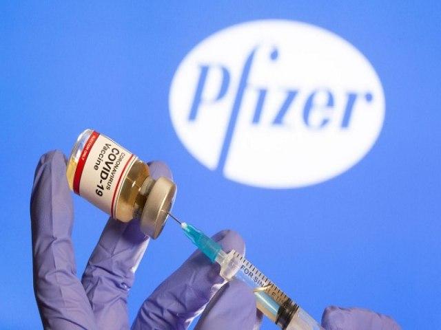 Covid-19: Intervalo da Pfizer será reduzido só após todos os adultos tomarem 1ª dose, diz ministro