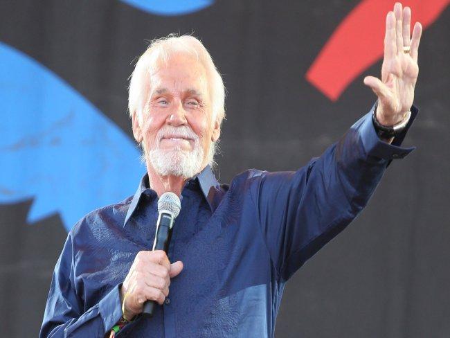 Kenny Rogers, ícone da música country, morre aos 81 anos